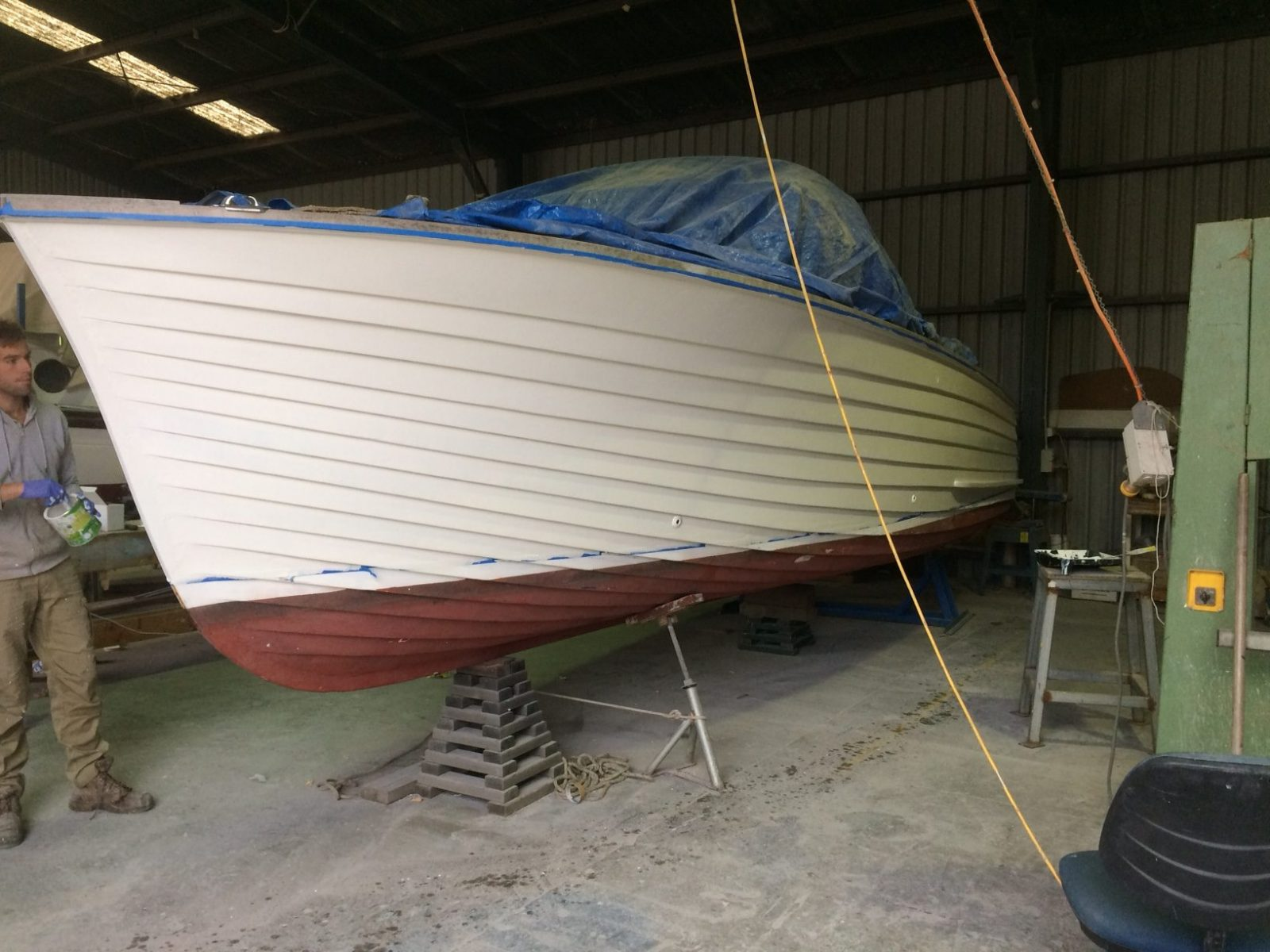'B. Bommel' Classic Powerboat repaint - undercoat completed